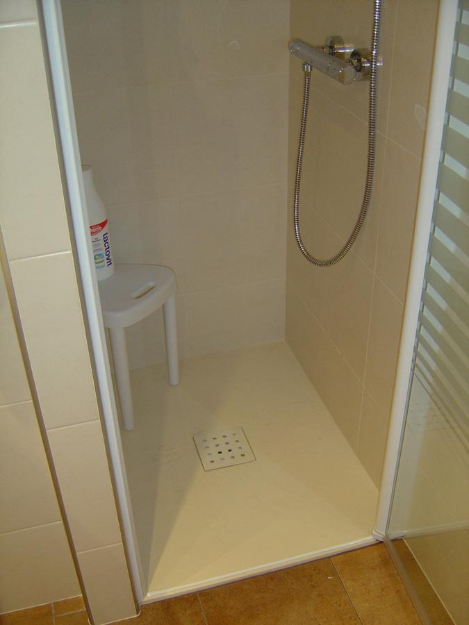Platos de ducha construccions agras for Platos de ducha barcelona
