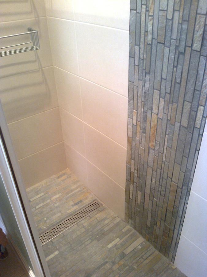 Platos de ducha construccions agras - Duchas de piedra ...